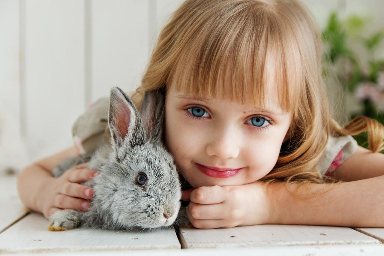 Maquiagem tóxica para crianças